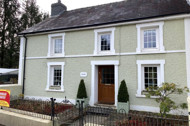4 bed semi-detached house for sale in Ty Mawr, Llanybydder SA40
