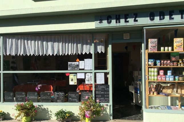 Thumbnail Restaurant/cafe for sale in 22340 Maël-Carhaix, Côtes-D'armor, Brittany, France
