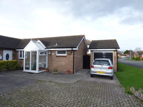Thumbnail Bungalow for sale in Kingsway, Llandudno, Conwy, North Wales