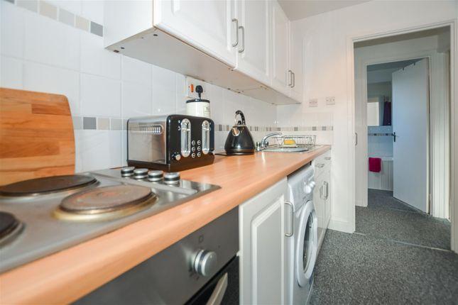 Kitchen of Lambourne Rise, Bottesford, Scunthorpe DN16