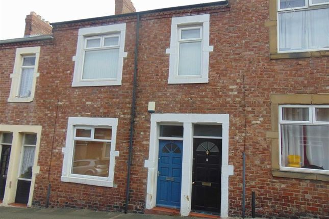 Thumbnail Flat to rent in Napier Road, Swalwell, Newcastle Upon Tyne