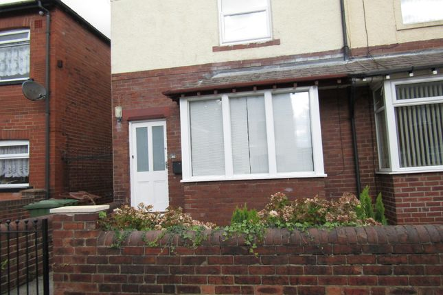 Room to rent in St Marks Street, Wakefield