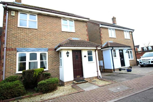 4 bed detached house to rent in Lampern Close, Billericay, Essex CM12