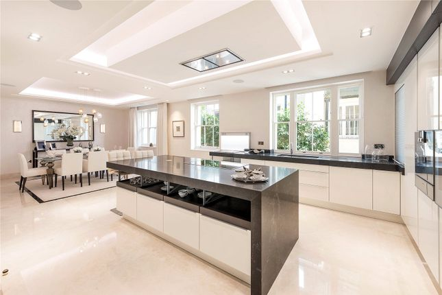 Thumbnail Mews house for sale in Montrose Place, Belgravia, London