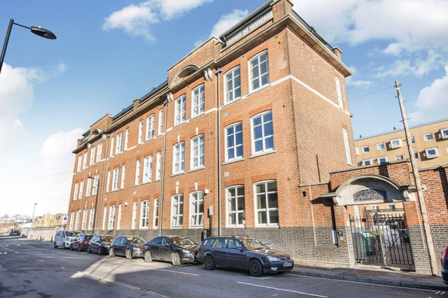 Thumbnail Flat for sale in Andersons Road, Southampton, Hampshire