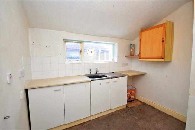 Kitchen of Victor Street, Grimsby DN32