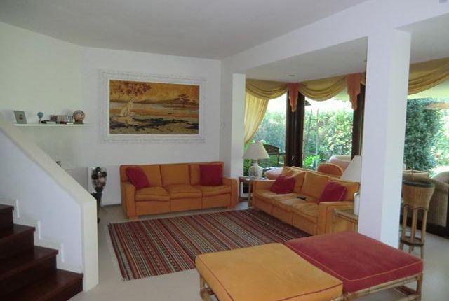 4 bed property for sale in Pietrasanta, Forte Dei Marmi, Tuscany, Italy