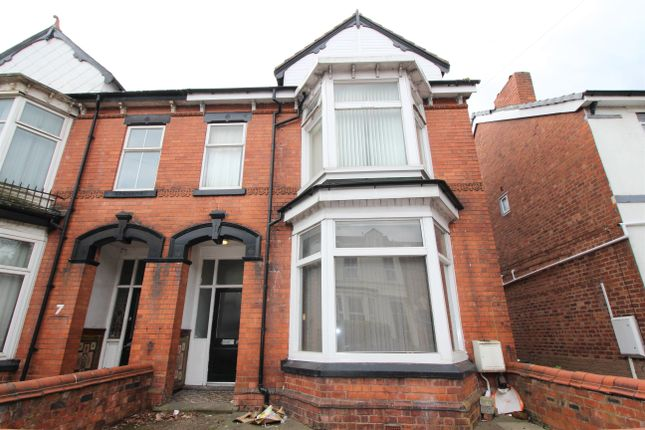 Thumbnail Shared accommodation to rent in Newhampton Road East, Wolverhampton