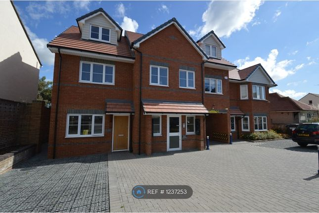 3 bed maisonette to rent in Mill House, Westcliff-On-Sea SS0