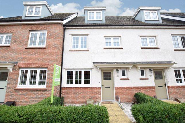 Thumbnail Terraced house to rent in Merlin Way, Bracknell, Berkshire