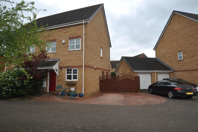 Thumbnail Property for sale in Station Close, Henlow