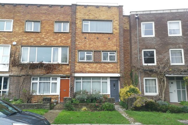 Thumbnail Town house to rent in Oyster Street, Old Portsmouth