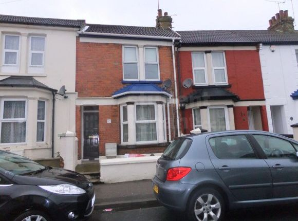 Thumbnail Shared accommodation to rent in Garfield Road, Gillingham, Kent