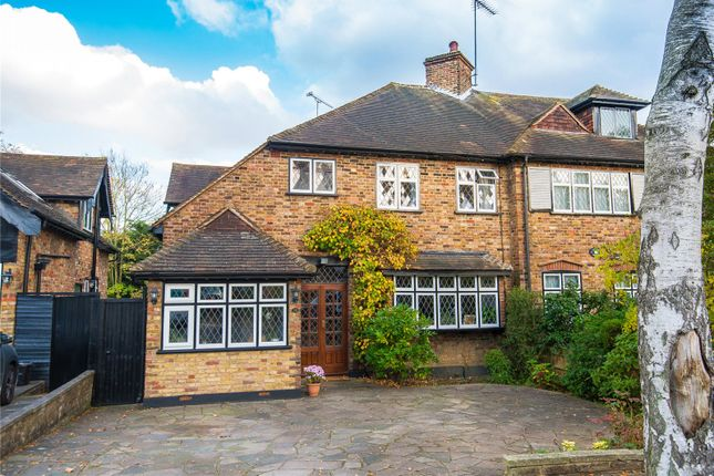 Picture No. 16 of Powell Close, Edgware, Middlesex HA8