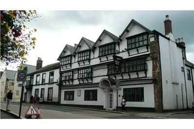 Thumbnail Pub/bar for sale in Manor House Hotel, 2-4 Fore Street, Cullompton, Devon