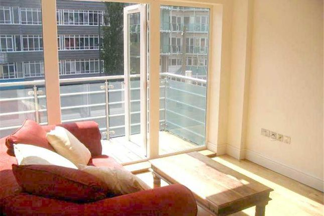 Thumbnail Flat to rent in Station Road, Barnet, Hertfordshire