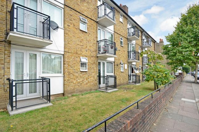 1 bed flat for sale in Maxted Road, Peckham Rye, London