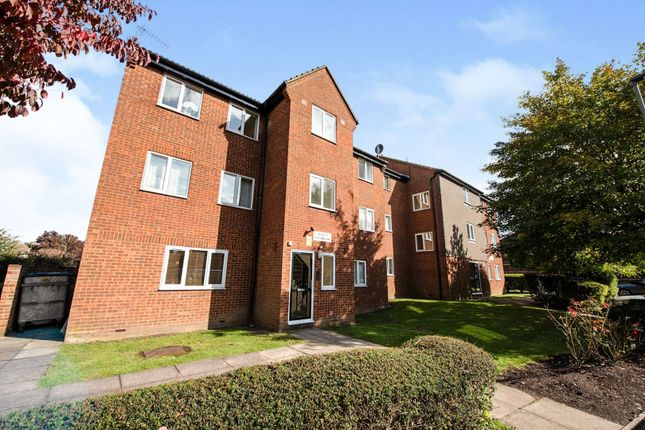 1 bed flat for sale in New Ash Close, London N2