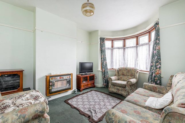 3 bed property for sale in Whitton Dene, Twickenham