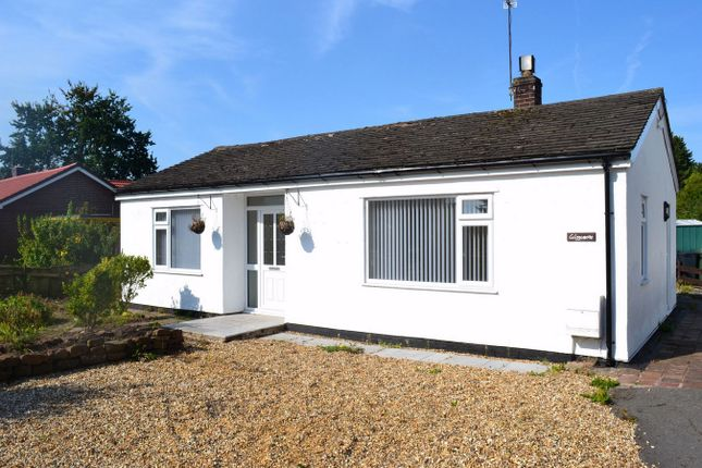 Thumbnail Detached bungalow to rent in Liverpool Road, Neston, Cheshire