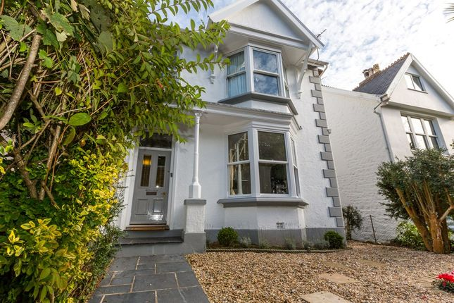Thumbnail Flat for sale in York Avenue, St. Peter Port, Guernsey