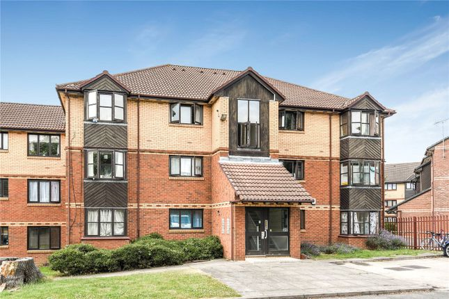 1 bed flat for sale in Medesenge Way, Palmers Green, London