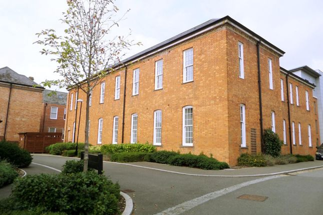 Thumbnail Flat to rent in Longley Road, Chichester