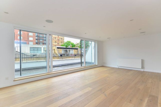 Thumbnail Property for sale in Queens Mews, Bayswater