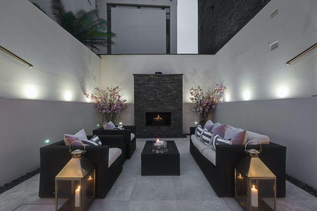 Thumbnail Flat to rent in Lower Belgrave Street, London