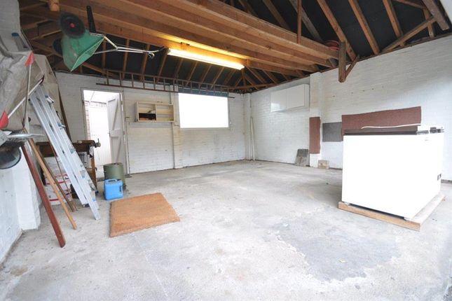 Garage of The Leightons, Buggen Lane, Neston CH64