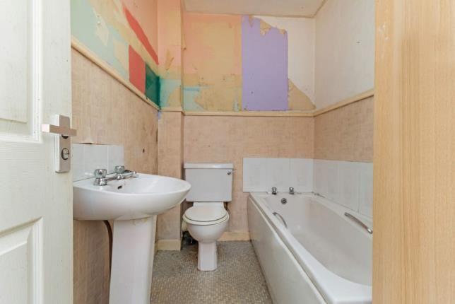 Bathroom of Main Street, Auchinleck, Cumnock, East Ayrshire KA18