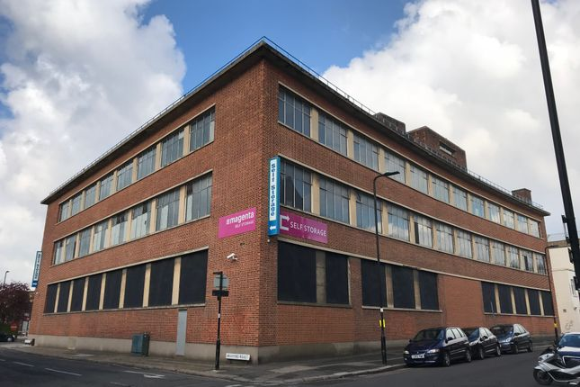Thumbnail Warehouse to let in Stanley Gardens, Acton, London
