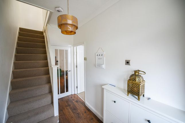 Thumbnail Terraced house to rent in Bishops Avenue, Chadwell Heath, Romford