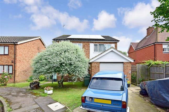 Thumbnail Detached house for sale in Haffenden Close, Marden, Kent