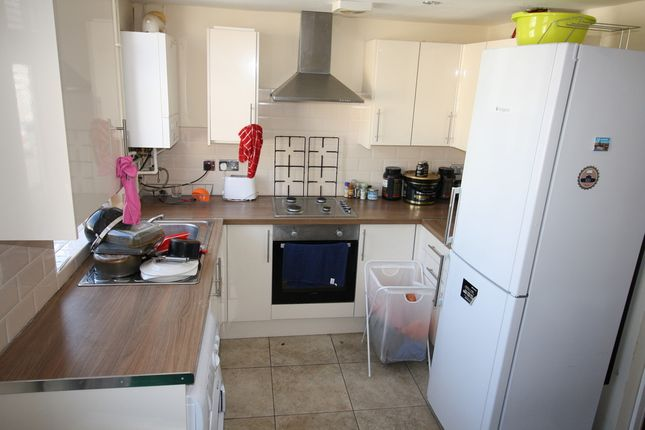 4 bed flat to rent in Treherbert Street, Cathays, Cardiff