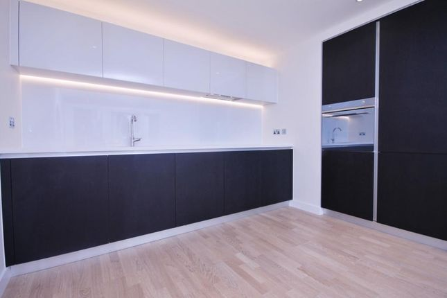 Thumbnail Flat for sale in Masson House, Kew Bridge Road, Brentford