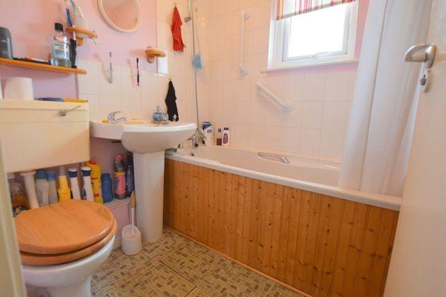 Bathroom of Minton Close, Blakelands, Milton Keynes MK14