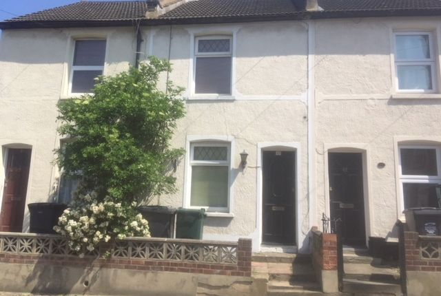 2 bed terraced house to rent in Church Road, Swanscombe