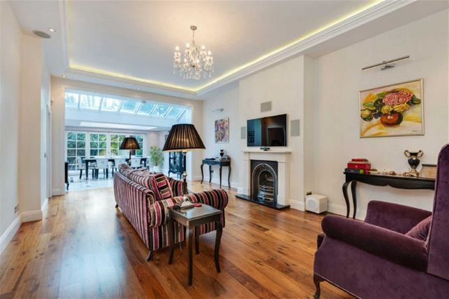 Thumbnail Flat for sale in Greencroft Gardens, London