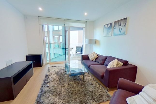 Thumbnail Flat to rent in Rossetti Apartments, Saffron Central Square, Croydon