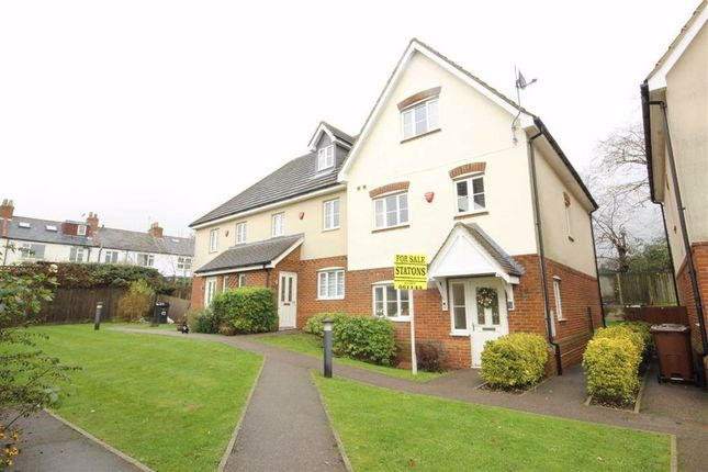 4 bed end terrace house to rent in St Vincents Way, Potters Bar, Hertfordshire EN6