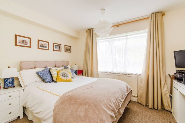 Thumbnail Flat to rent in Middleton Avenue, Greenford