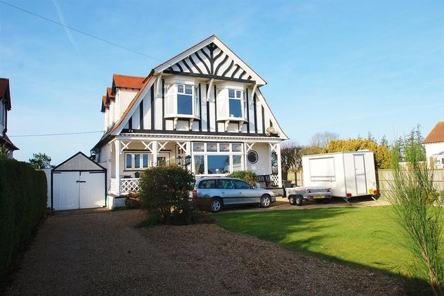 Thumbnail Detached house for sale in Drummond Road, Skegness