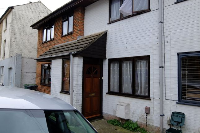 Thumbnail Terraced house to rent in York Street, Cowes