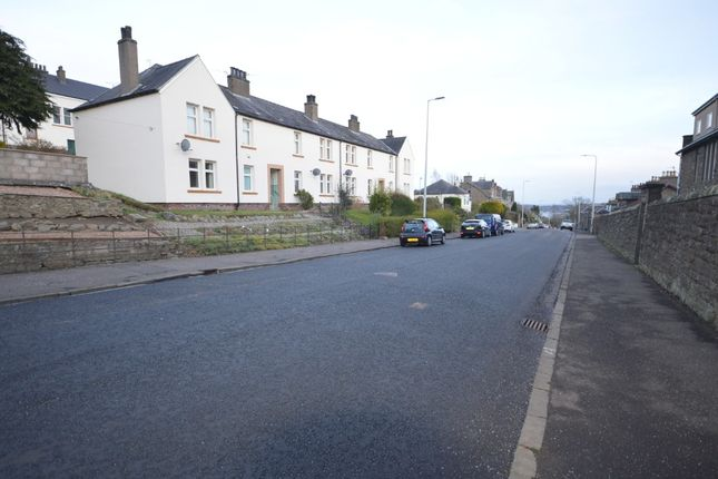 Thumbnail Flat to rent in Lawside Road, Law, Dundee