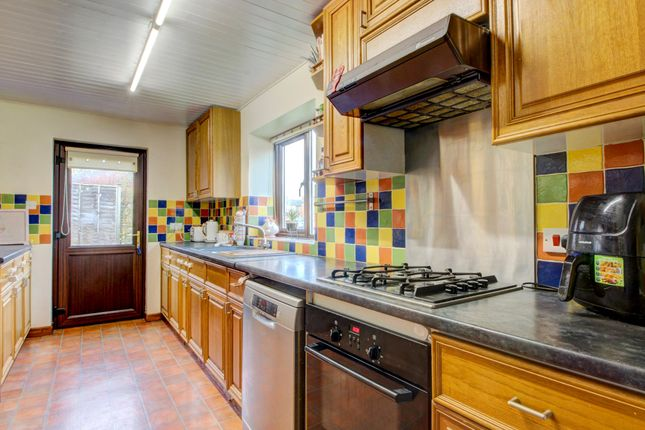 Kitchen (2) of Wicken Road, Deanshanger, Milton Keynes MK19