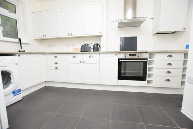 1 bed flat to rent in Verderers Road, Chigwell IG7