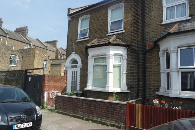 Thumbnail Room to rent in Alloa Road, Deptford, London