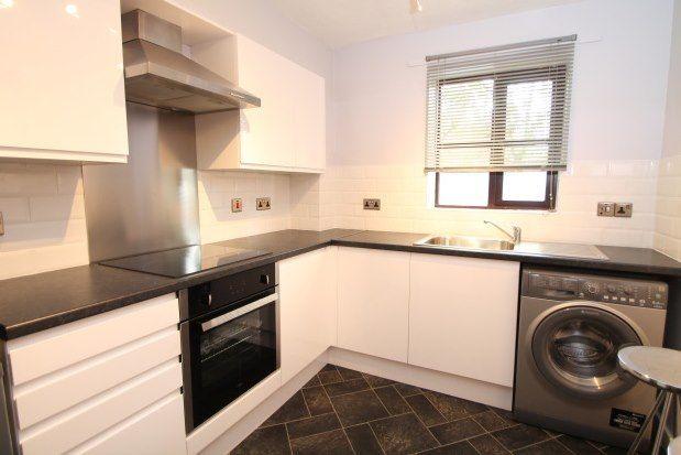 1 bed flat to rent in Blakeney Road, Beckenham BR3