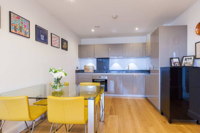 Hoey Court, Barry Blandford Way, Bow, London E33Tr E3